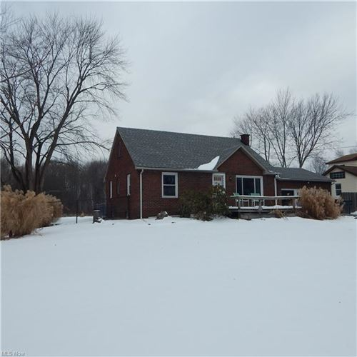 Photo of 1516 Coitsville Hubbard Road, Youngstown, OH 44505 (MLS # 4255967)