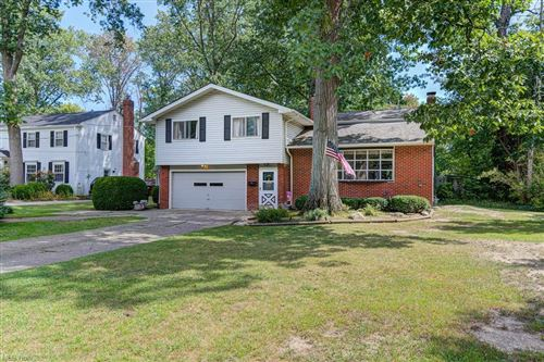 Photo of 963 Dover Center Road, Westlake, OH 44145 (MLS # 4308971)