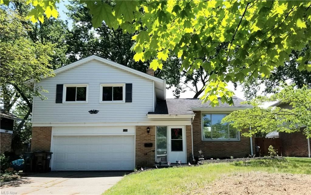 5801 Hollywood Drive, Cleveland, OH 44129 - #: 4280975