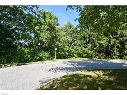 Photo of 10585 Whitewood Road, Brecksville, OH 44141 (MLS # 4214978)