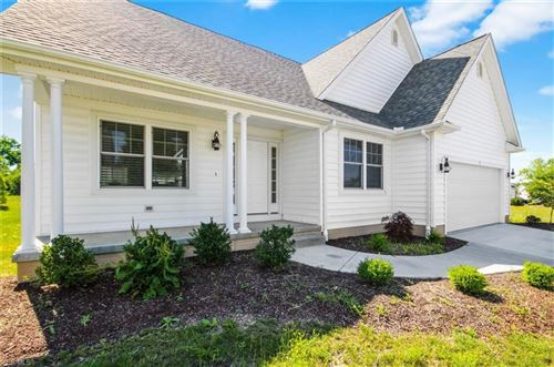 Photo of 40 Saybrook Drive, Canfield, OH 44406 (MLS # 4176979)