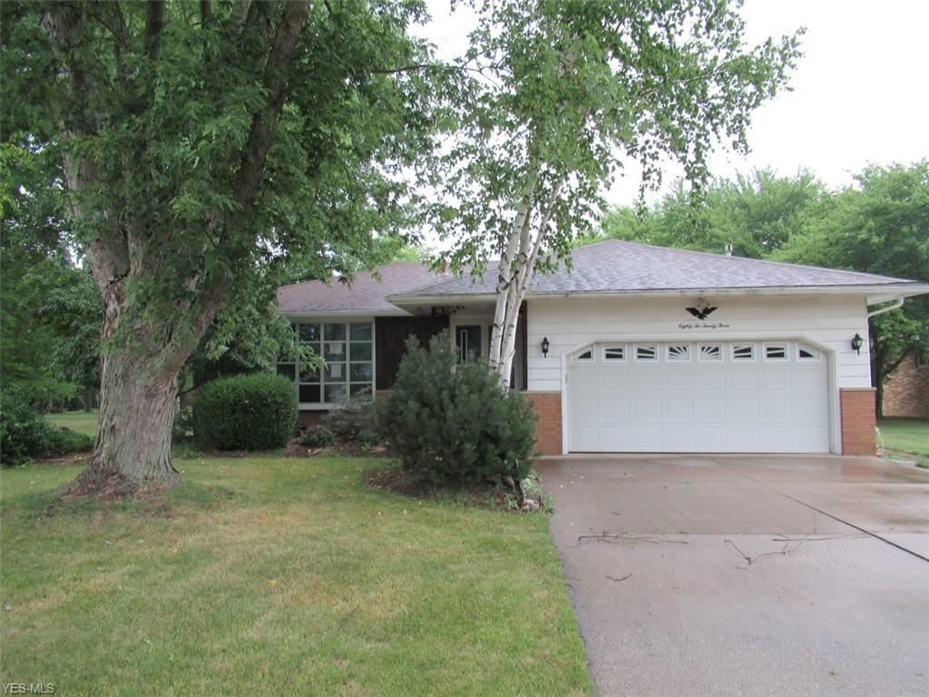 8223 Wesley Drive, Strongsville, OH 44136 - #: 4243980