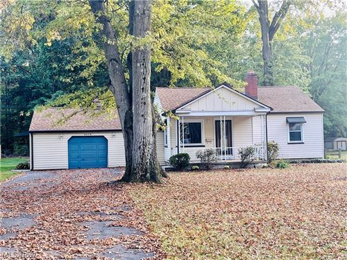 Photo of 4279 Lake Road, Youngstown, OH 44511 (MLS # 4324982)