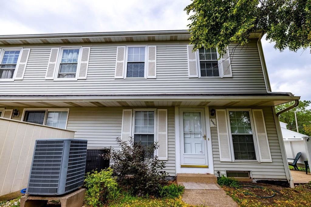 Photo of 6567 Engle Road #40C, Brook Park, OH 44142 (MLS # 4301989)