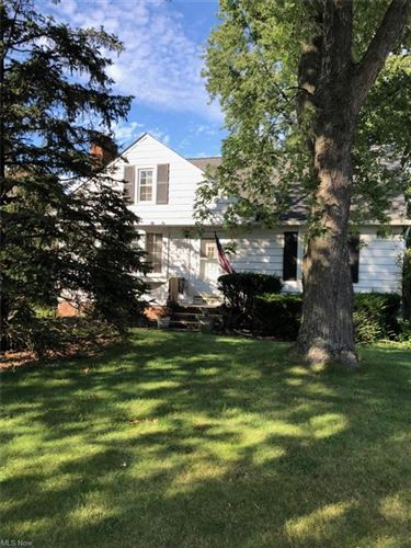 Photo of 16380 Parklawn Avenue, Middleburg Heights, OH 44130 (MLS # 4309995)