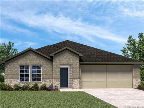 Photo of 26478 S Vintage Trace Drive, Claremore, OK 74019 (MLS # 2101014)