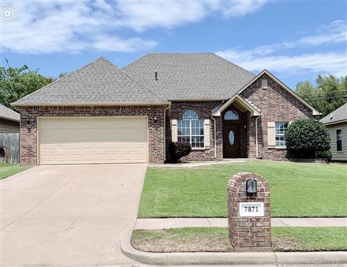 Photo of 7871 Patriot Lane, Sapulpa, OK 74066 (MLS # 2028024)