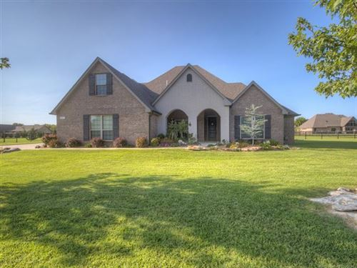 Photo of 5197 E Hickory Meadow Drive, Claremore, OK 74019 (MLS # 2028037)