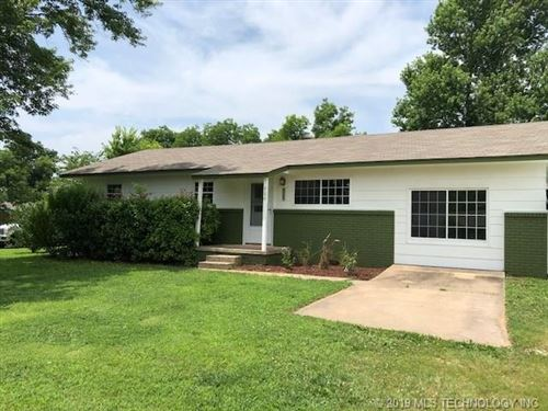 Photo of 900 S D And H Street, Cleveland, OK 74020 (MLS # 1923047)