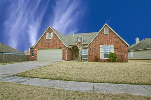Photo of 4305 S Oak Avenue, Broken Arrow, OK 74011 (MLS # 2003056)