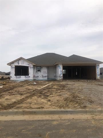 Photo of 13557 N 129th Place, Collinsville, OK 74021 (MLS # 2012059)