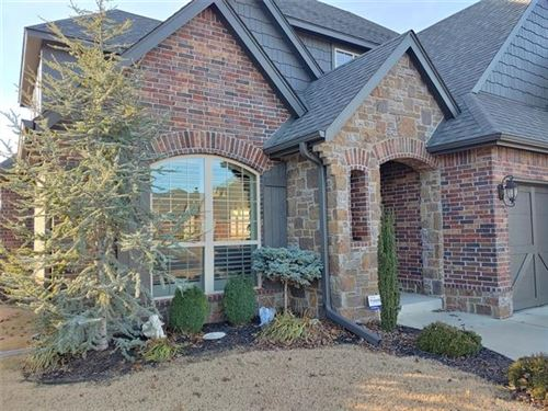 Photo of 922 S Magnolia Place, Broken Arrow, OK 74012 (MLS # 1943060)