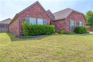 Photo of 813 S 71st Street, Broken Arrow, OK 74014 (MLS # 1917067)