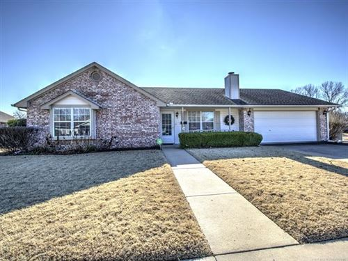 Photo of 12202 E 80th Place North, Owasso, OK 74055 (MLS # 1943074)