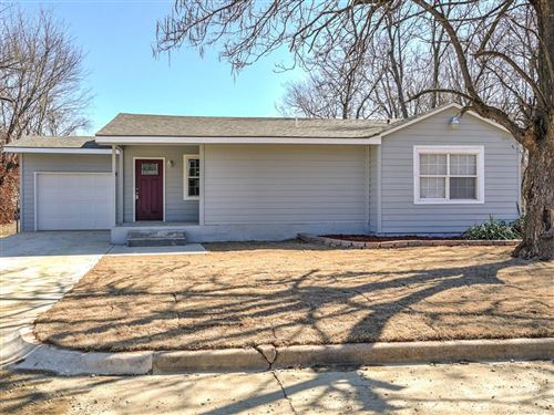 Photo of 2531 N Lansing Avenue, Tulsa, OK 74106 (MLS # 2102074)