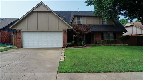 Photo of 2213 W Memphis Place, Broken Arrow, OK 74012 (MLS # 1925085)