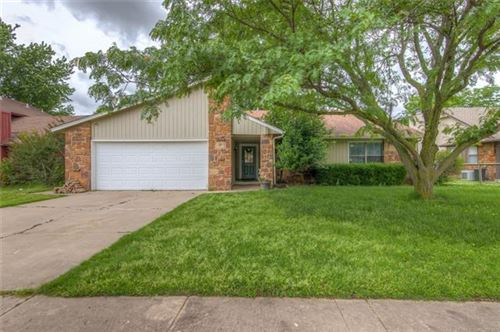 Photo of 2210 S Hemlock Avenue, Broken Arrow, OK 74012 (MLS # 2019094)