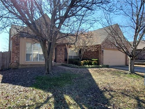 Photo of 405 E Granger Street, Broken Arrow, OK 74012 (MLS # 2003136)