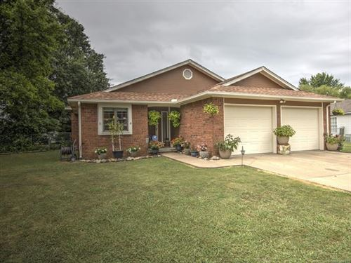 Photo of 608 S Seminole Avenue, Dewey, OK 74029 (MLS # 2027136)