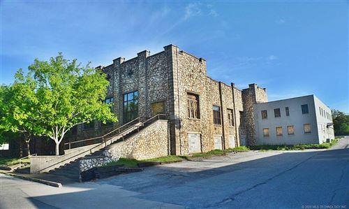 Photo of 124 W Shawnee Street, Tahlequah, OK 74464 (MLS # 2036136)