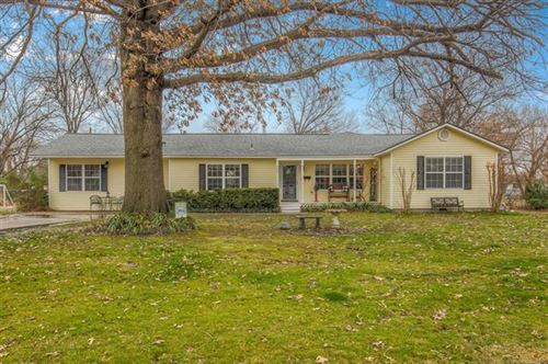 Photo of 901 S McKinley Avenue, Wagoner, OK 74467 (MLS # 2005142)