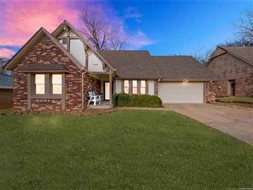 Photo of 1604 W Pittsburg Street, Broken Arrow, OK 74012 (MLS # 2102152)