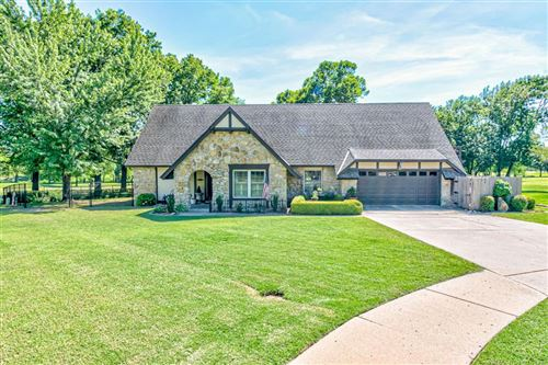 Photo of 5900 Martin Place, Bartlesville, OK 74006 (MLS # 1922171)