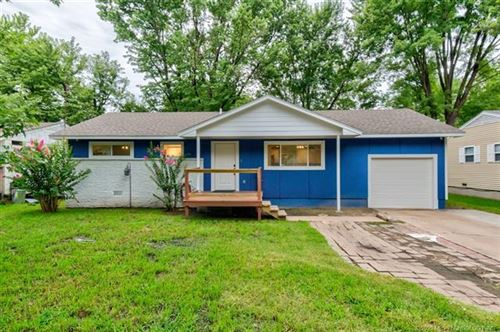 Photo of 409 S Seminole Avenue, Dewey, OK 74029 (MLS # 2028200)