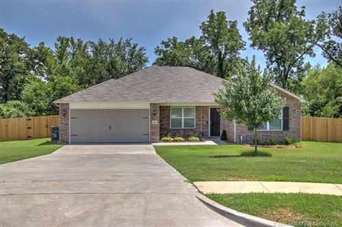 Photo of 2809 W Glendale Street, Broken Arrow, OK 74011 (MLS # 2006221)