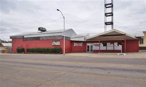 Photo of 100 E Downing Street, Tahlequah, OK 74464 (MLS # 2109228)