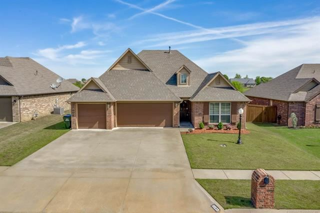 Photo for 10533 E 142nd Street North, Collinsville, OK 74021 (MLS # 2011230)