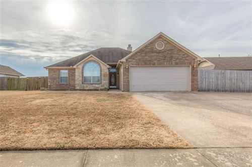 Photo of 29830 E 138th Place, Coweta, OK 74429 (MLS # 1943235)