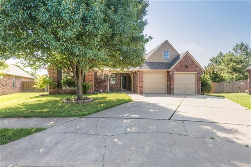 Photo of 11943 S 101st East Avenue, Bixby, OK 74008 (MLS # 1925268)