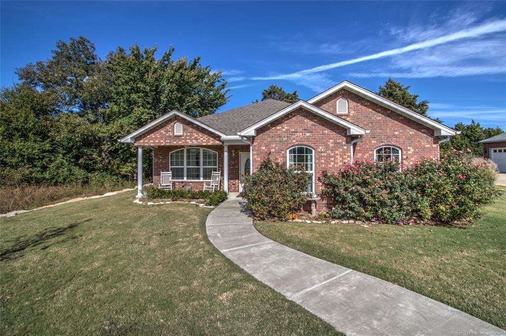 Photo for 4203 Greentree Way #49A, Sand Springs, OK 74063 (MLS # 1905268)