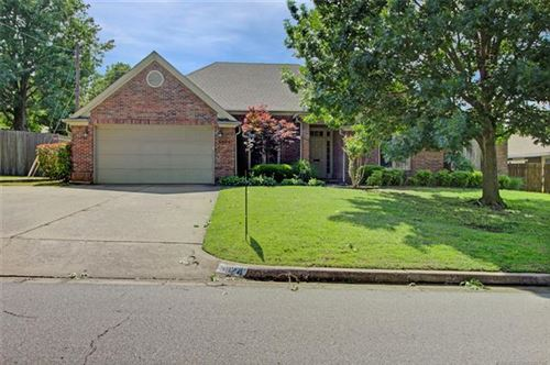 Photo of 5924 S Marion Place, Tulsa, OK 74135 (MLS # 2018272)