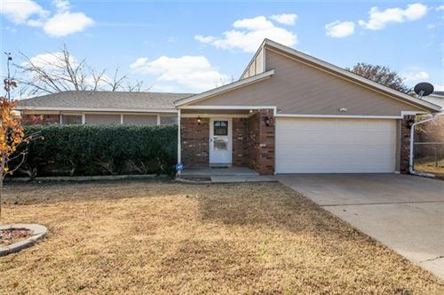 Photo of 404 W 146th Place, Glenpool, OK 74033 (MLS # 1941313)