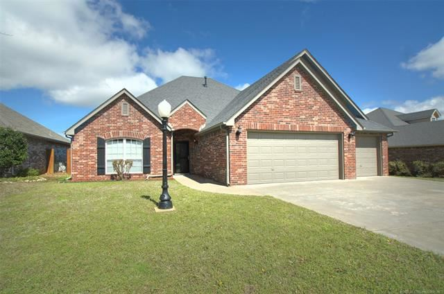 Photo for 10693 E 142nd Place, Collinsville, OK 74021 (MLS # 2011317)
