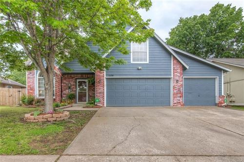 Photo of 1608 S Yellowood Avenue, Broken Arrow, OK 74012 (MLS # 2018336)