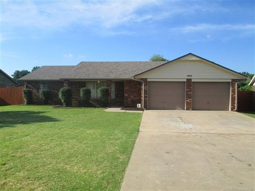 Photo of 1403 Dexter Street, Fort Gibson, OK 74434 (MLS # 1922355)