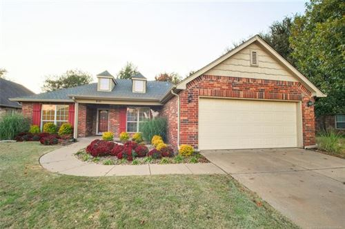 Photo of 810 N Sycamore Place, Jenks, OK 74037 (MLS # 1935362)