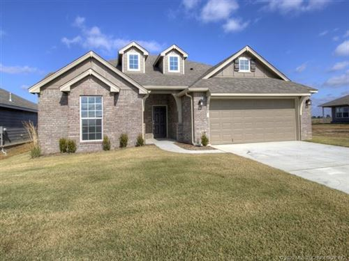 Photo of 8708 N 73rd East Place, Owasso, OK 74055 (MLS # 2000377)
