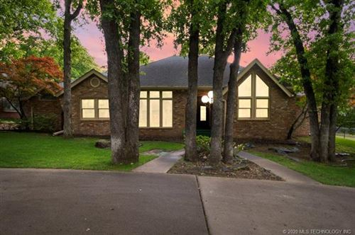 Photo of 10606 S Lakewood Avenue, Tulsa, OK 74137 (MLS # 2016378)
