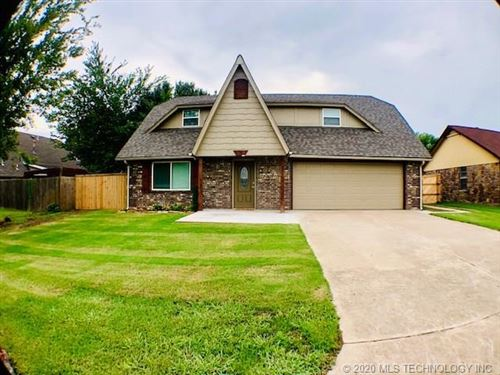 Photo of 1308 Kennedy Court, Wagoner, OK 74467 (MLS # 2027399)