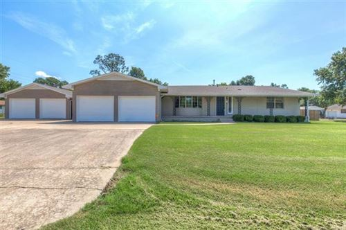 Photo of 220 S Arizona Avenue, Haskell, OK 74436 (MLS # 1926401)