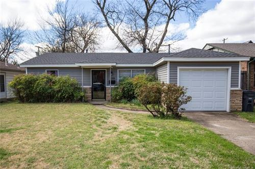 Photo of 3720 S Jamestown Avenue, Tulsa, OK 74135 (MLS # 2011404)
