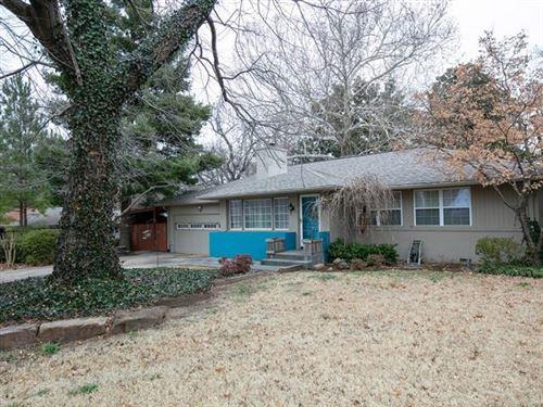 Photo of 3325 S Yorktown Avenue, Tulsa, OK 74105 (MLS # 2001455)