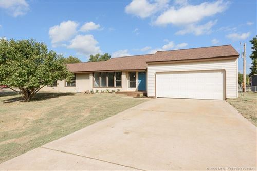 Photo of 15195 W 18th Place S, Sand Springs, OK 74063 (MLS # 2038469)