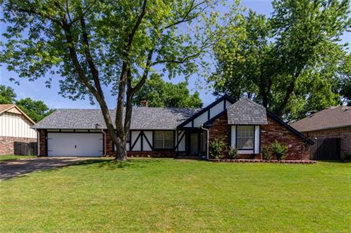 Photo of 2612 W DETROIT Street, Broken Arrow, OK 74012 (MLS # 2023479)