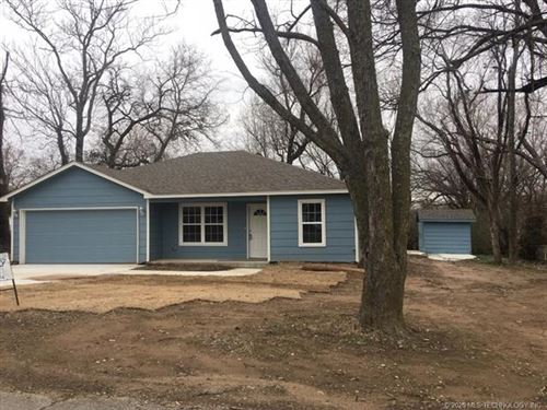 Photo of 408 N Atoka Avenue, Coweta, OK 74429 (MLS # 1938491)