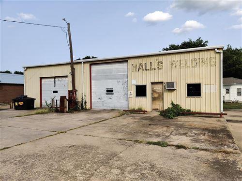 Photo of 309 S Water Avenue, Tahlequah, OK 74464 (MLS # 2128496)